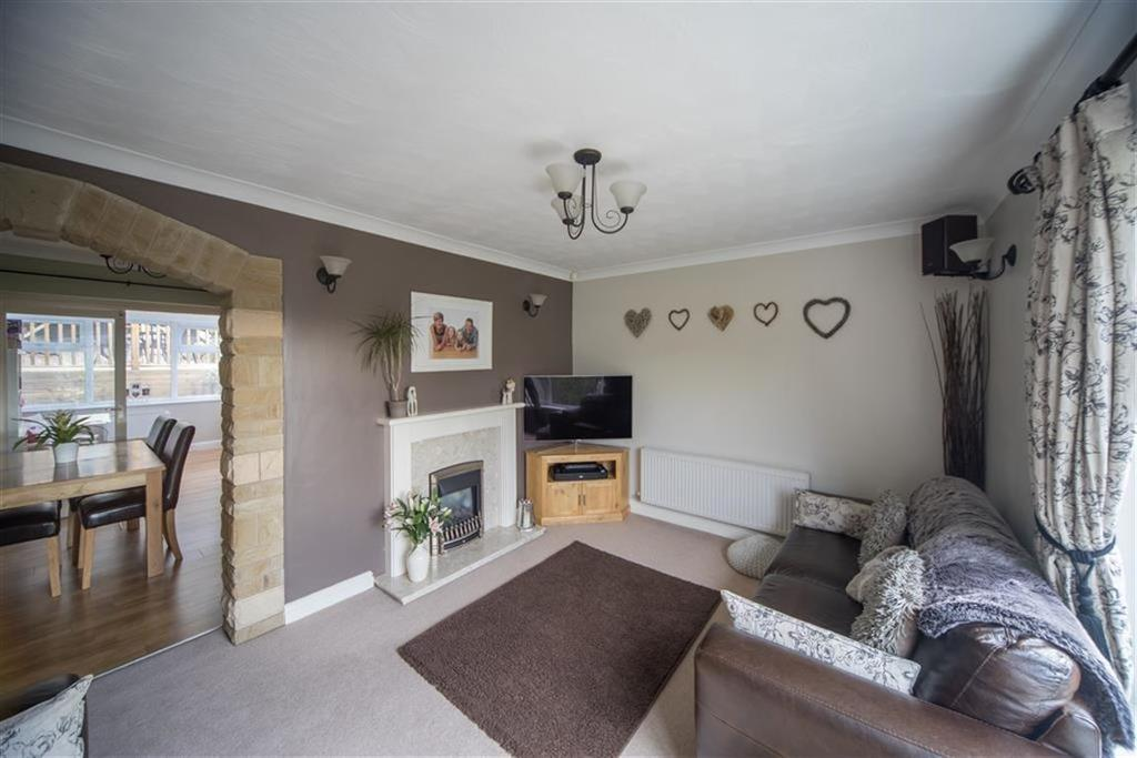 4 Bedrooms Semi Detached House for sale in Causeway Crescent, Linthwaite, Huddersfield, HD7