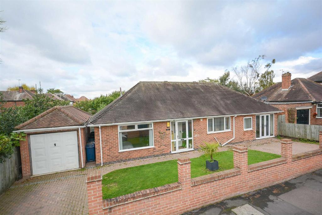 4 Bedrooms Detached Bungalow for sale in Bentinck Avenue, Tollerton, Nottingham