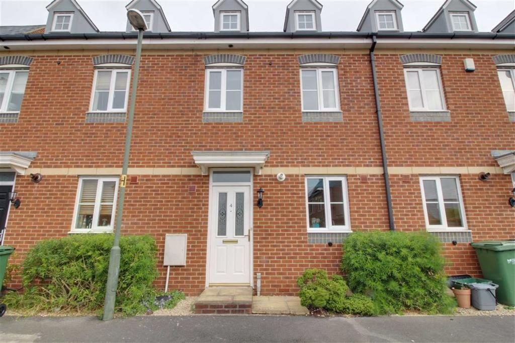 4 Bedrooms Terraced House for sale in Palmers Court, Stonehouse, Gloucestershire