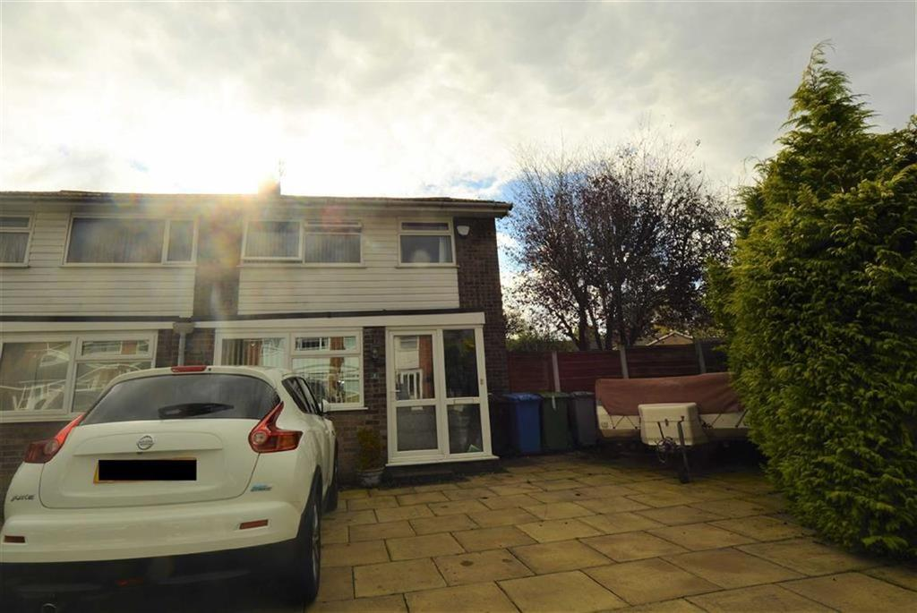 3 Bedrooms Semi Detached House for sale in Gawsworth Close, Altrincham, Cheshire