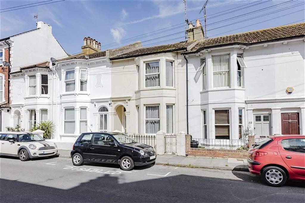 1 Bedroom Flat for sale in Meeching Road, Newhaven