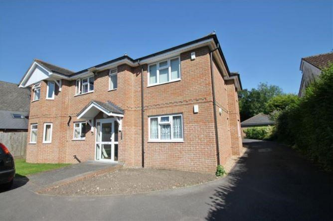 2 Bedrooms Apartment Flat for sale in Vicarage Road, Verwood