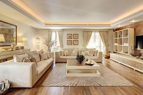 2 bedroom flat to rent - Lancelot Place, London. SW7