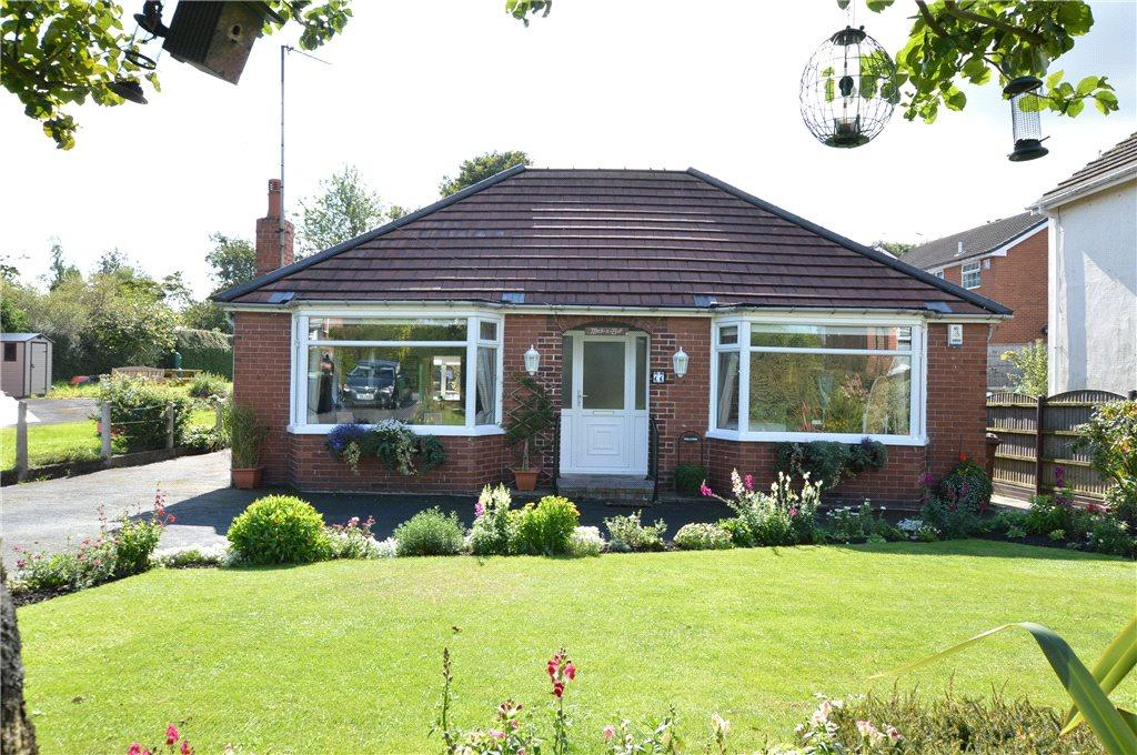 3 Bedrooms Detached Bungalow for sale in Westfield Lane, Kippax, Leeds, West Yorkshire