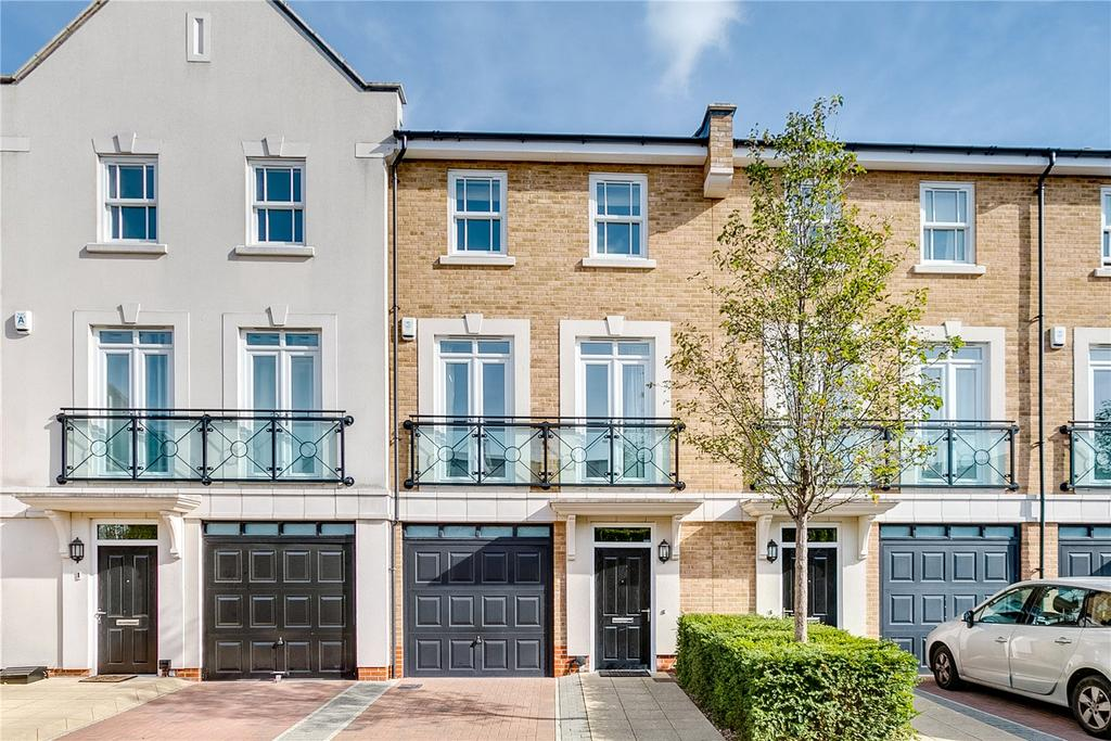 4 Bedrooms Terraced House for sale in Gillis Square, London