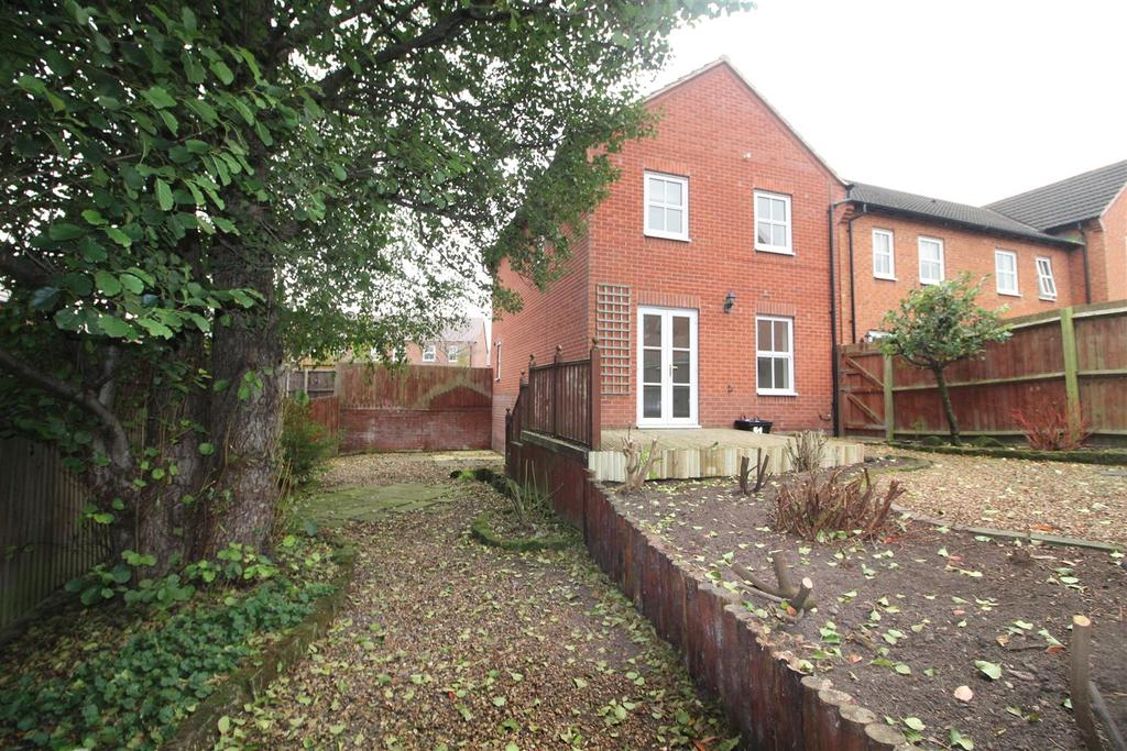 3 Bedrooms Detached House for sale in Windmill Meadow, Wem, Shropshire
