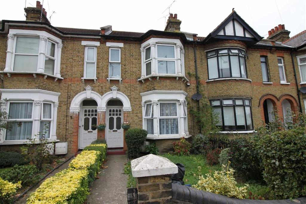 1 Bedroom Flat for sale in High Street, Shoeburyness, Essex