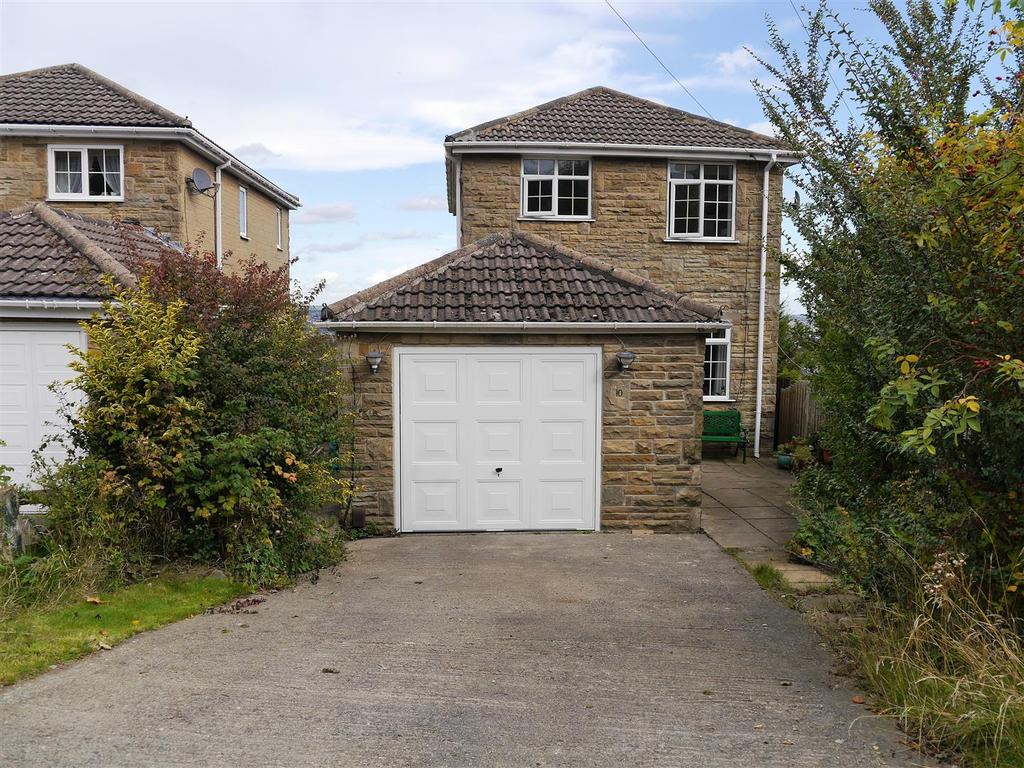 3 Bedrooms Detached House for sale in Clayfield Drive, Horton Bank Top, Bradford, BD7 4JA