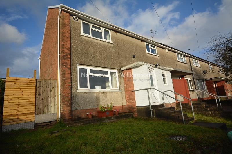 3 Bedrooms End Of Terrace House for sale in Braunton Avenue, Llanrumney, Cardiff. CF3