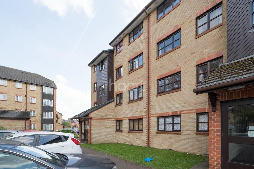 2 Bedrooms Flat for sale in Swallow Drive, NW10