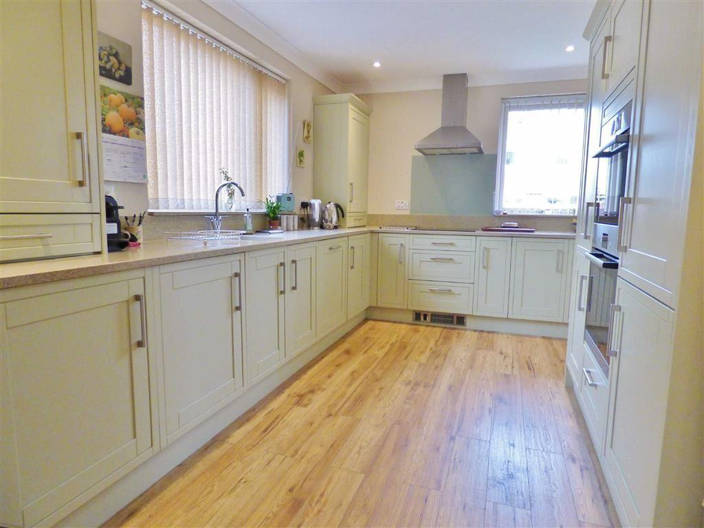 3 Bedrooms Semi Detached House for sale in Elm Drive, Cherry Burton