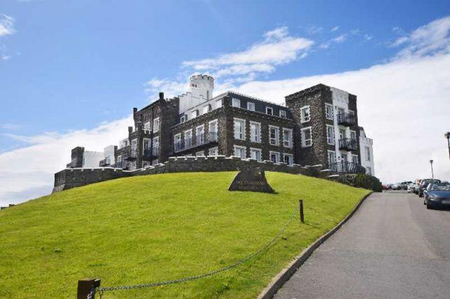 2 Bedrooms Apartment Flat for sale in Douglas Head Apartments, Douglas, IM1 5BY