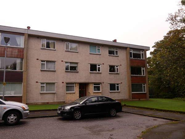 2 Bedrooms Flat for sale in 19 Glenside Grove, West Kilbride, KA23 9AB