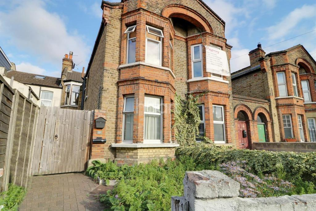 2 Bedrooms Flat for sale in Edinburgh Road, Walthamstow