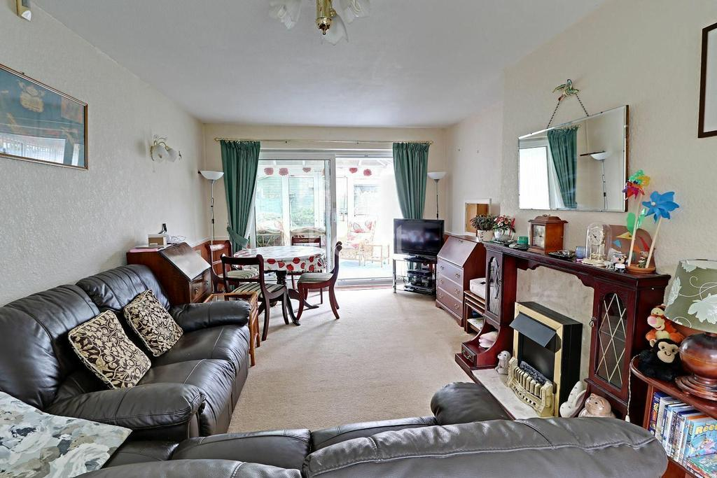 2 Bedrooms Bungalow for sale in Hilland Rise, Headley, Hampshire