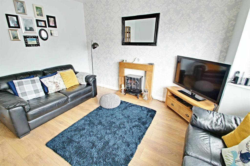 2 Bedrooms Semi Detached House for sale in Hopefield Avenue, Frecheville, S12
