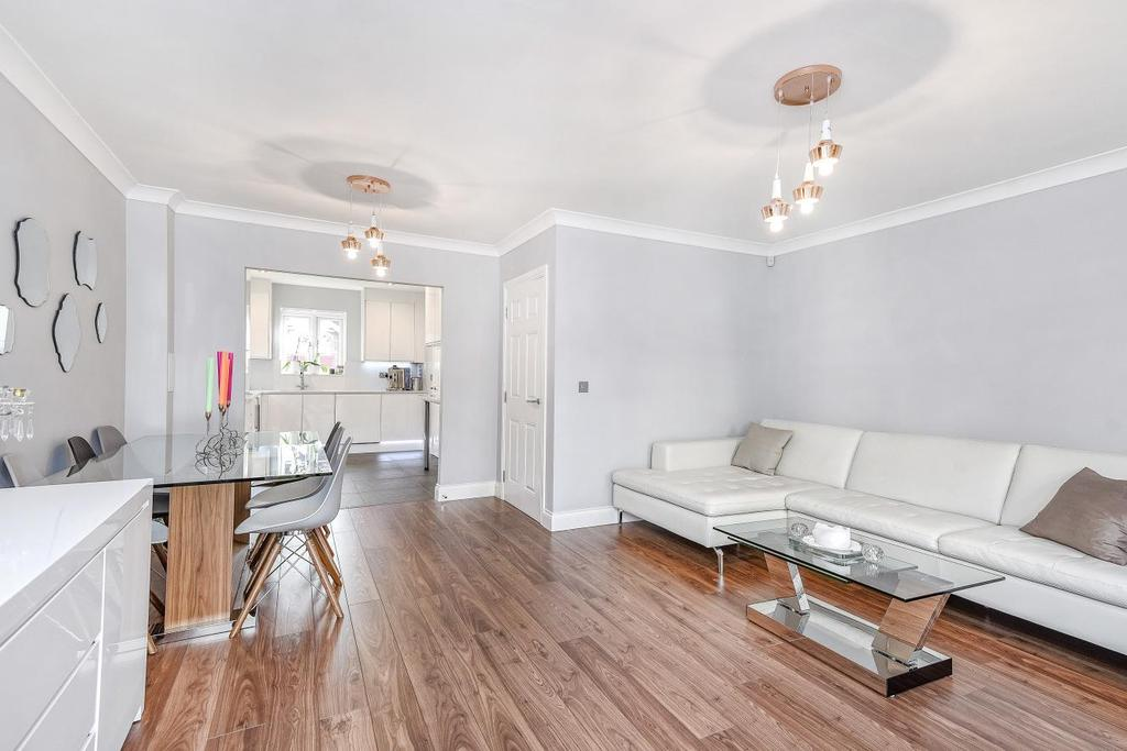 4 Bedrooms End Of Terrace House for sale in Church Hill Road, Barnet