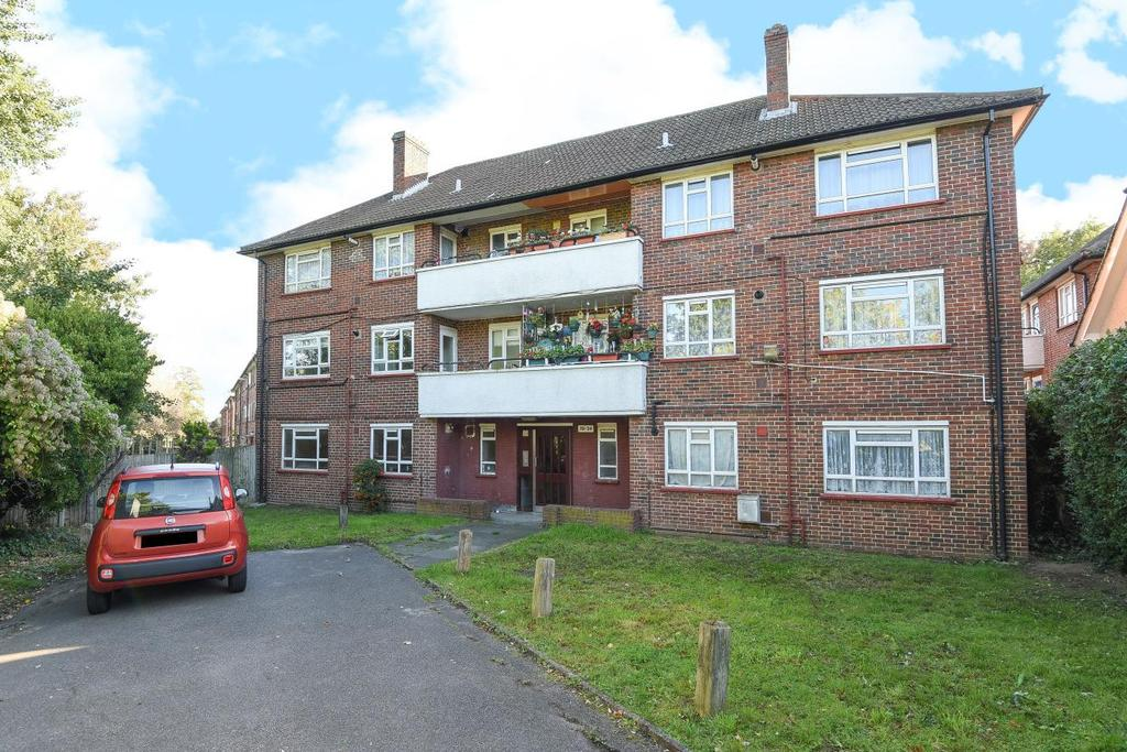 2 Bedrooms Flat for sale in Gap Road, Wimbledon