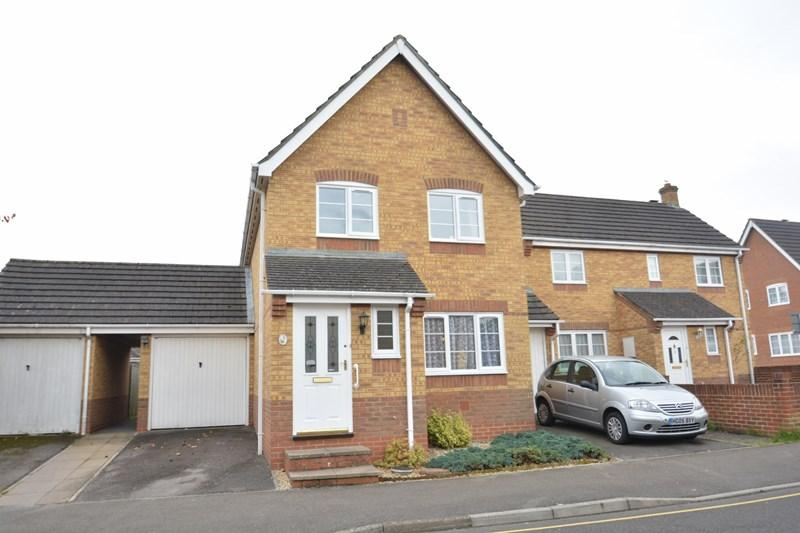 3 Bedrooms Link Detached House for sale in Watson Acre, Andover