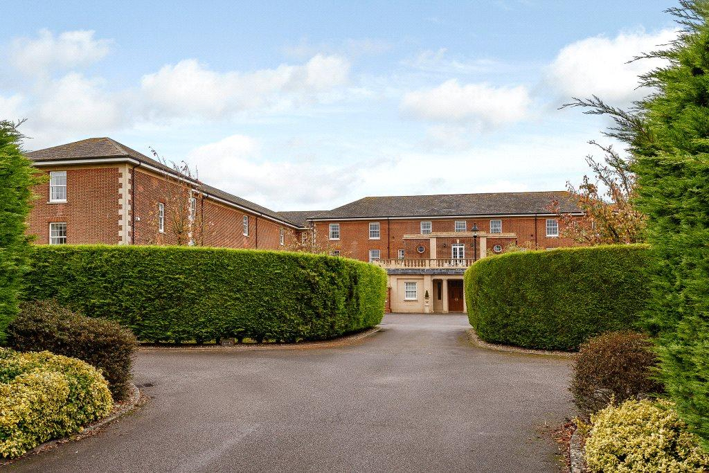 3 Bedrooms Penthouse Flat for sale in Throgmorton Hall, Portway, Old Sarum, Salisbury, SP4