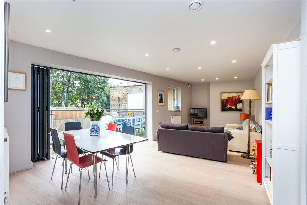 2 Bedrooms Flat for sale in Drayton Park, London, N5