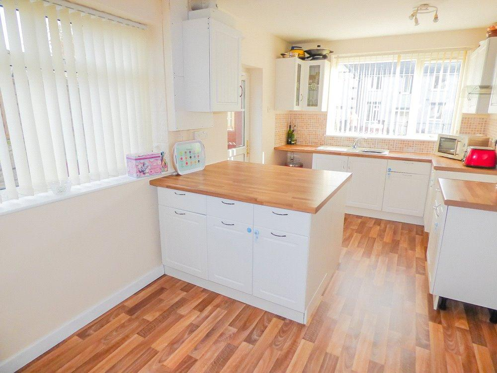 3 Bedrooms Semi Detached House for sale in Knox Grove, Blackpool, Lancashire