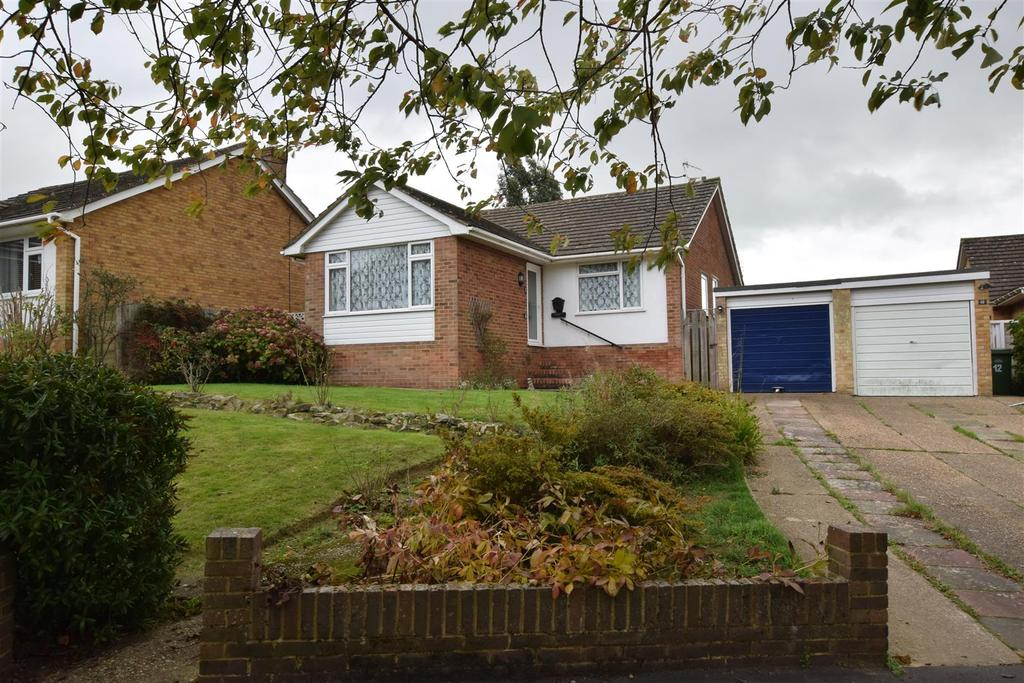 3 Bedrooms Detached Bungalow for sale in Ghyllside Avenue, Hastings