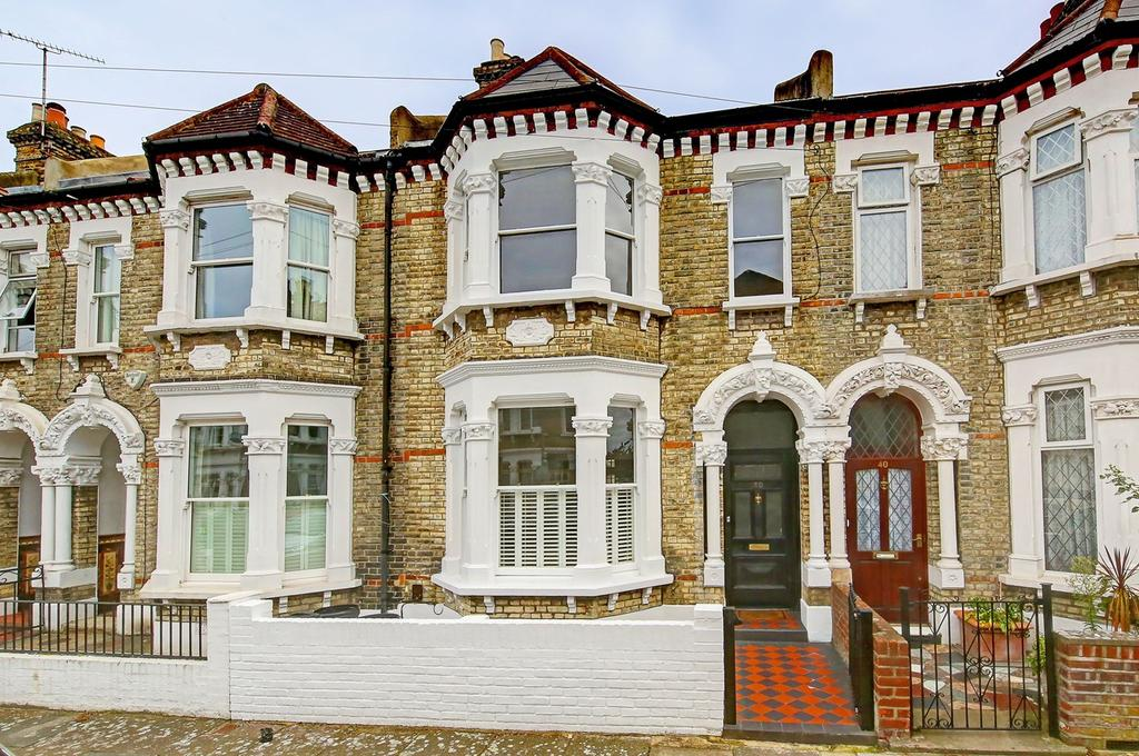 4 Bedrooms Terraced House for sale in Thirsk Road, London, SW11