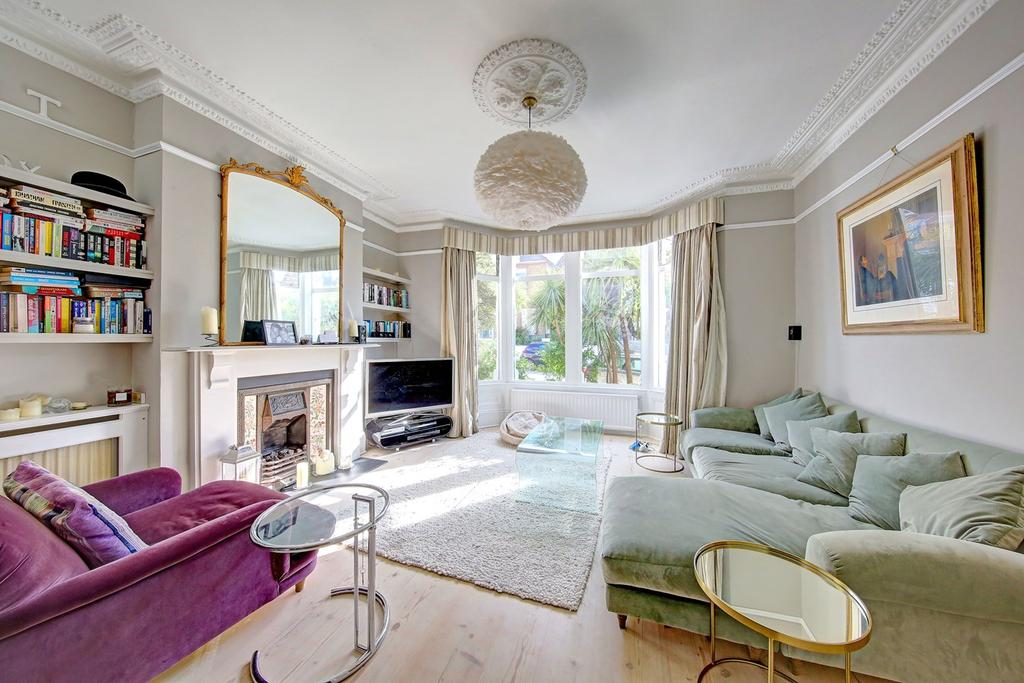4 Bedrooms Terraced House for sale in Broomwood Road, London, SW11