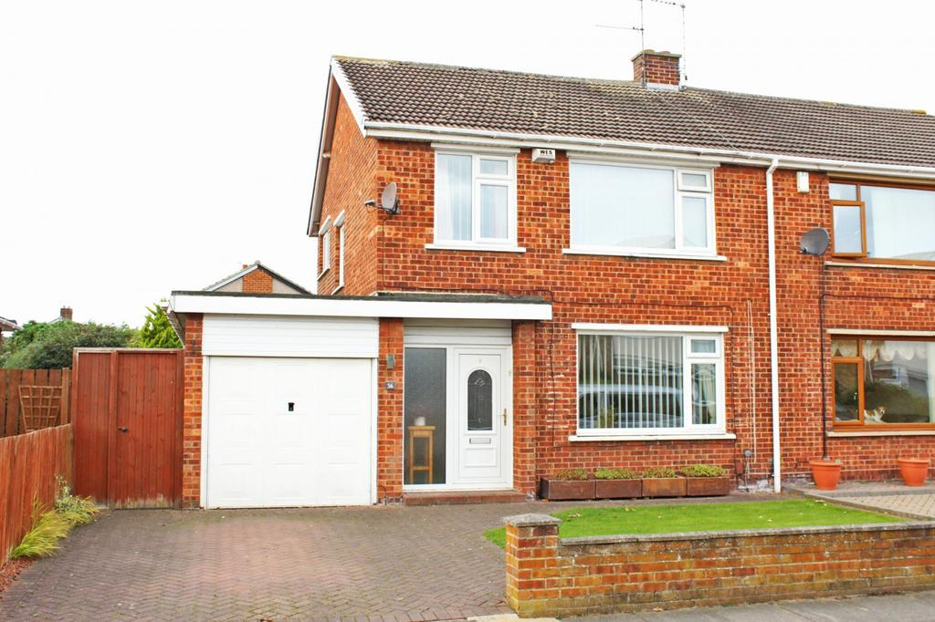 3 Bedrooms Semi Detached House for sale in Curlew Lane, Crooksbarn, Norton, TS20