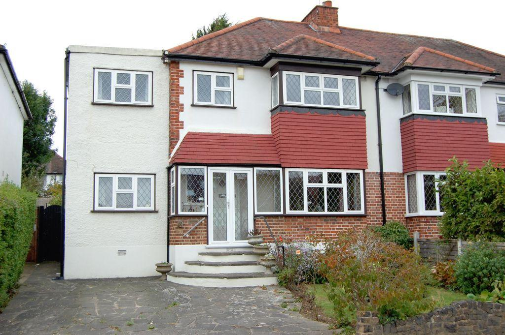 4 Bedrooms Semi Detached House for sale in Rous Road, Buckhurst Hill, IG9