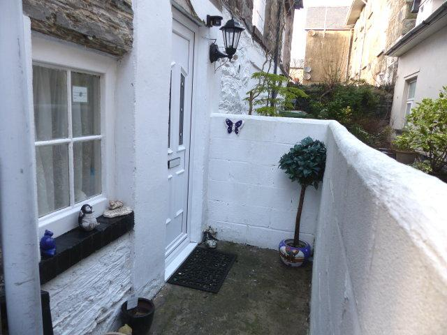 2 Bedrooms Flat for sale in Flat 1, London House,, High Street, Barmouth, LL42