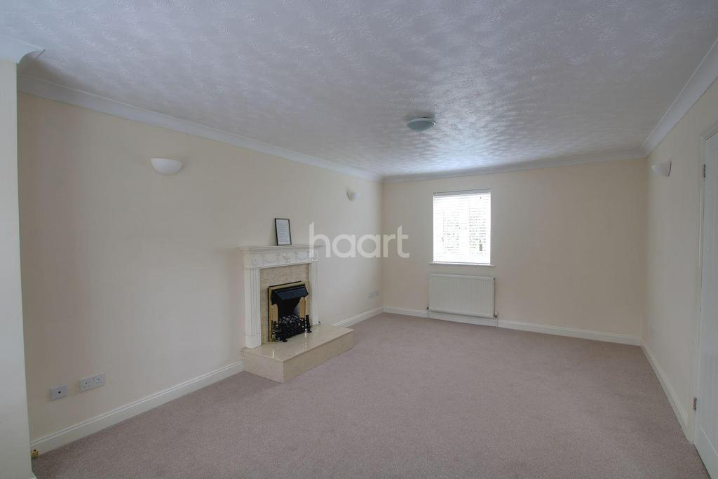 4 Bedrooms Detached House for sale in 12 Gilbert Drive, Langdon Hills, Essex, SS16 6SP