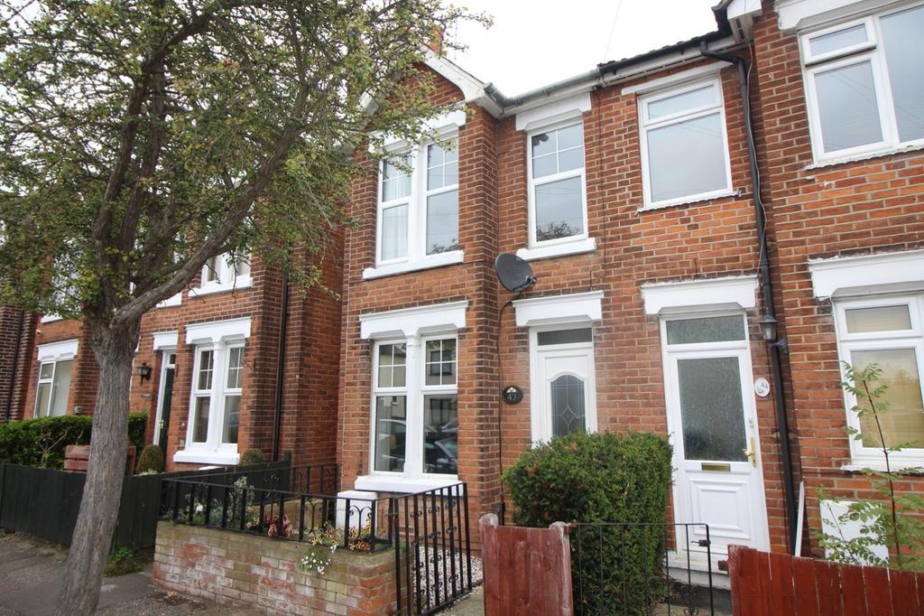 2 Bedrooms Semi Detached House for sale in Gilberd Road, Colchester, Essex, CO2