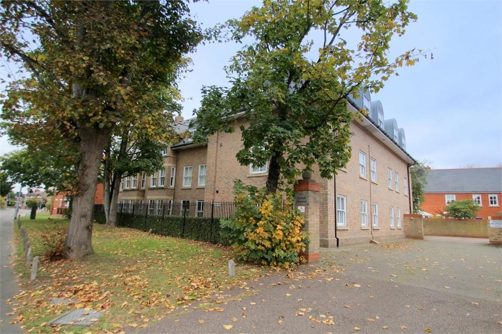3 Bedrooms Flat for sale in Rayleigh Mansions, Drury Road, Colchester, Essex
