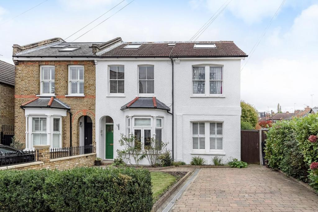 2 Bedrooms Flat for sale in Pembroke Road, Muswell Hill