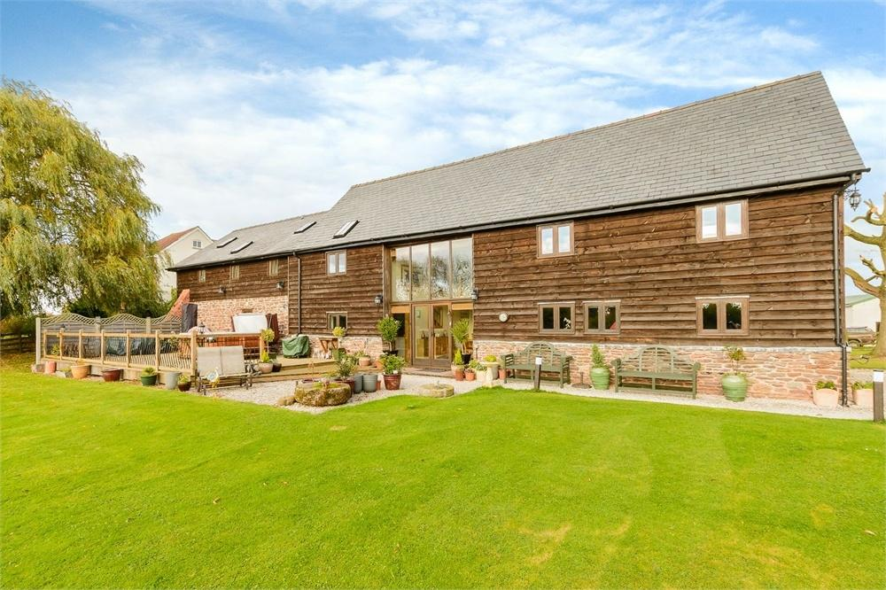 5 Bedrooms Detached House for sale in Madley, Herefordshire