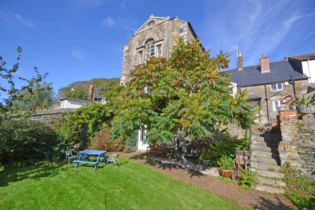 5 Bedrooms Terraced House for sale in Cross Street, Helston, South Cornwall, TR13