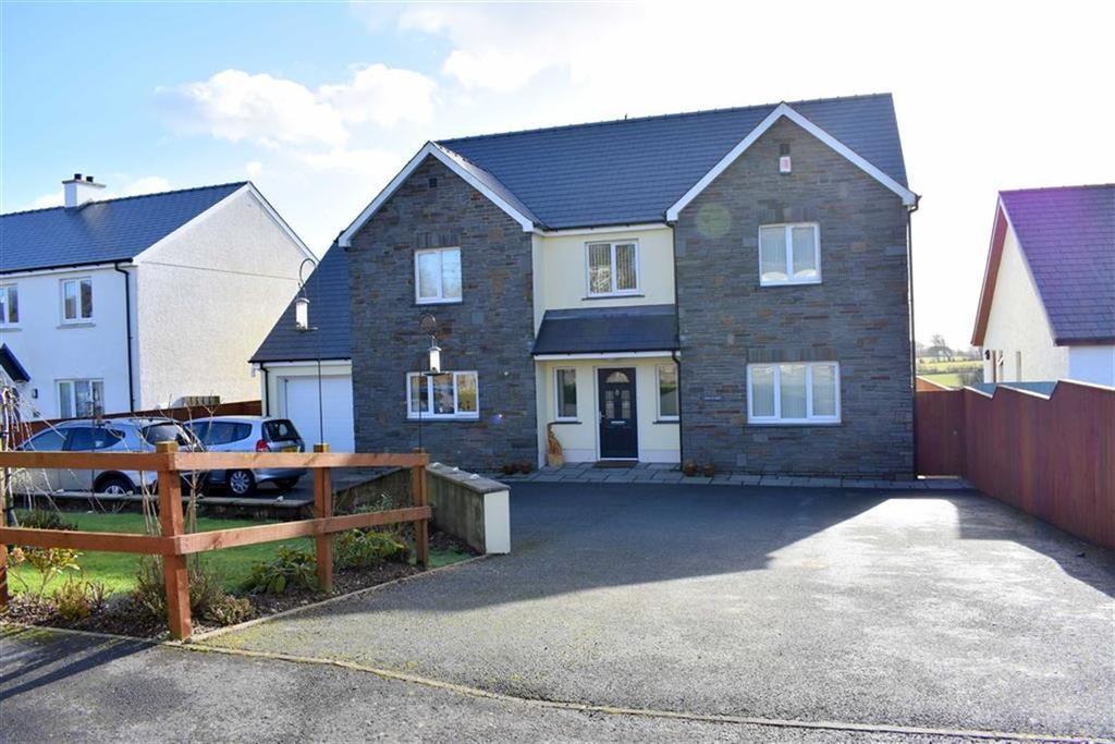 4 Bedrooms Detached House for sale in Panteg Cross, Llandysul, Ceredigion