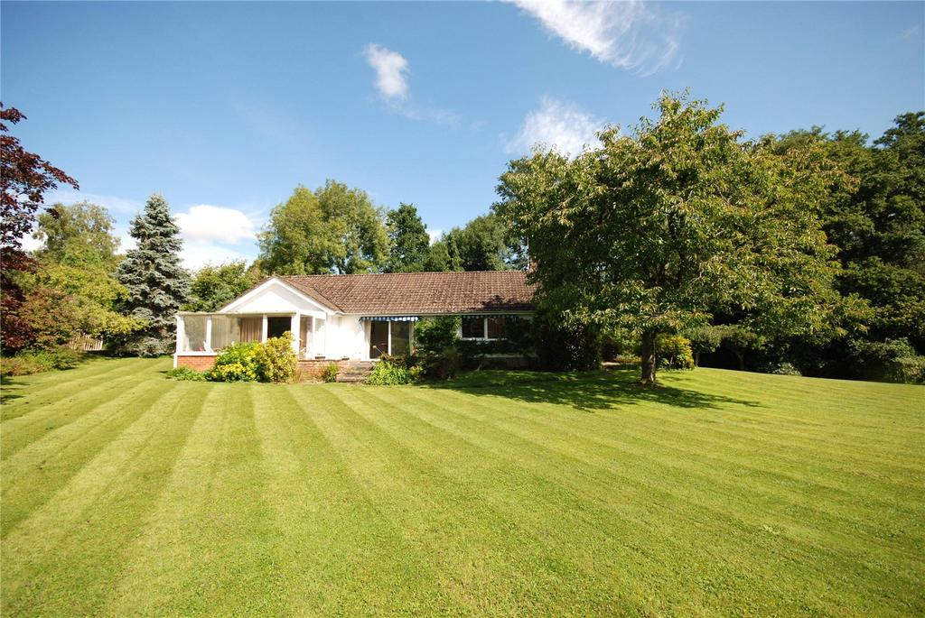 3 Bedrooms Detached House for sale in Manor Farm Road, Fordingbridge, Hampshire, SP6