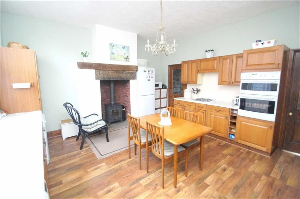 4 Bedrooms Terraced House for sale in William View, Leeds