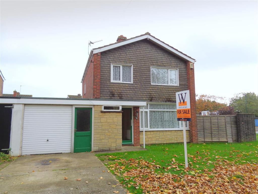 3 Bedrooms Detached House for sale in Pevensey Road, Bognor Regis