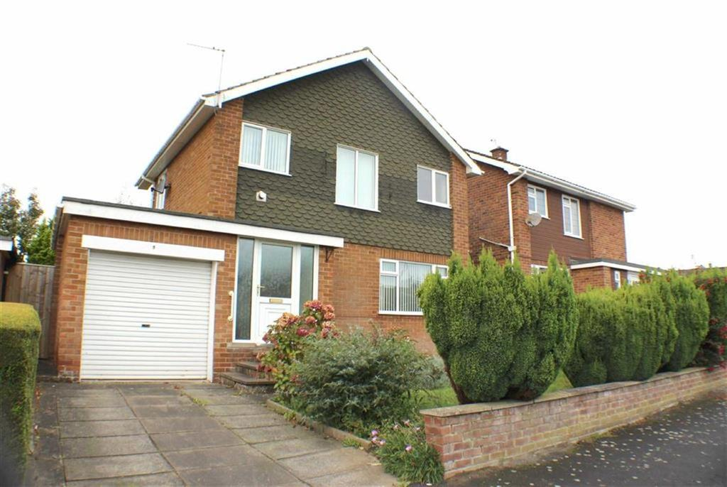 3 Bedrooms Detached House for sale in Sandsacre Drive, Bridlington, East Yorkshire