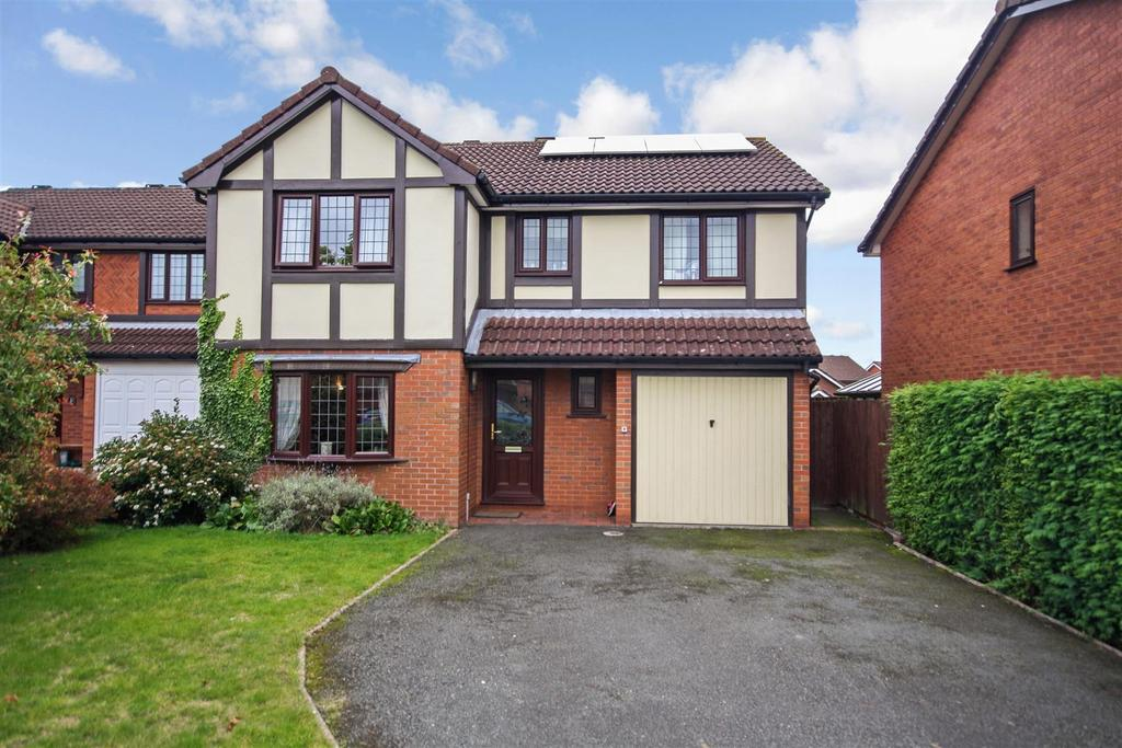 4 Bedrooms Detached House for sale in Longueville Drive, Oswestry