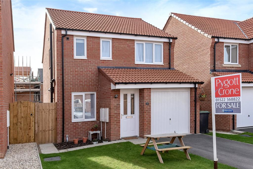 3 Bedrooms Detached House for sale in Cupola Close, North Hykeham, LN6