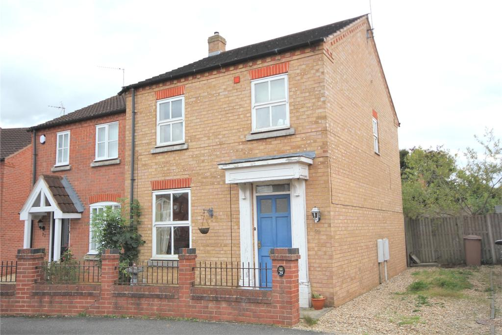 3 Bedrooms Semi Detached House for sale in Falcon Way, Sleaford, NG34