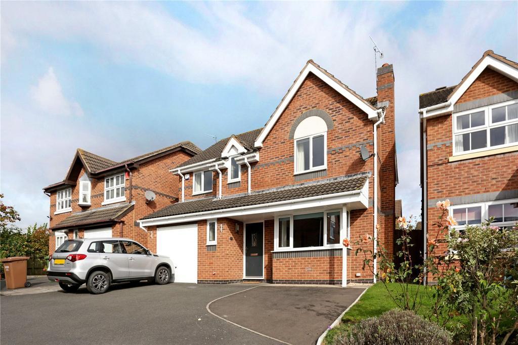 4 Bedrooms Detached House for sale in Brockhill Village, Norton, Worcester