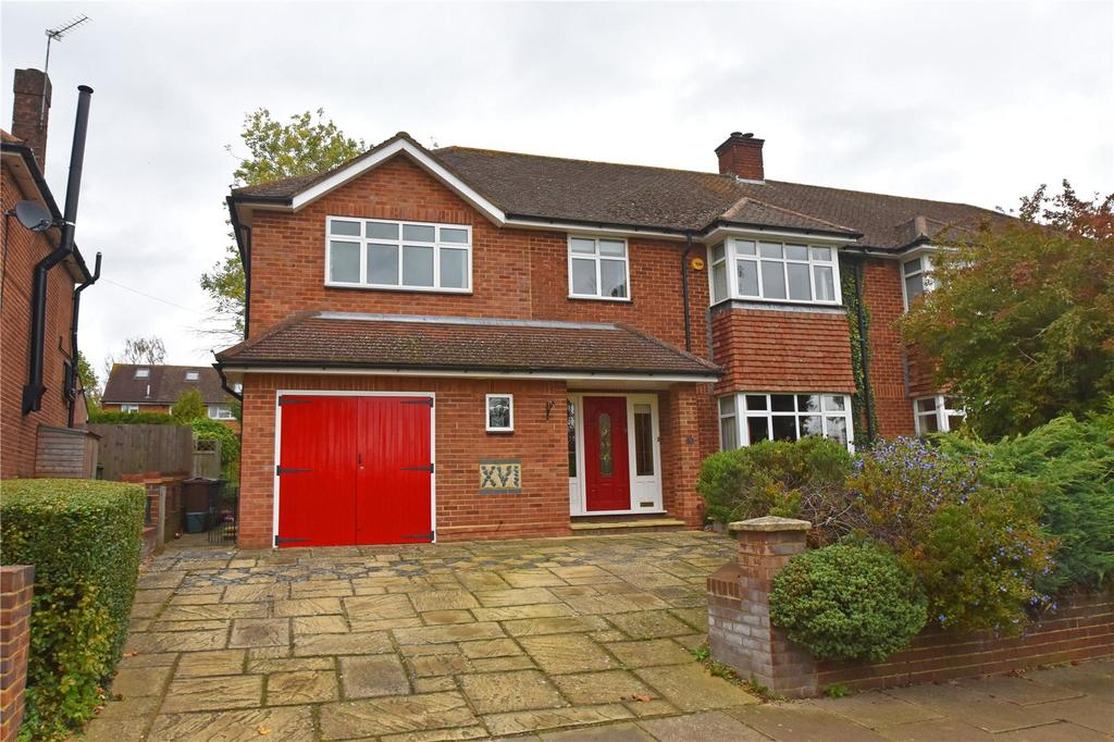 4 Bedrooms Semi Detached House for sale in Toulmin Drive, St. Albans, Hertfordshire