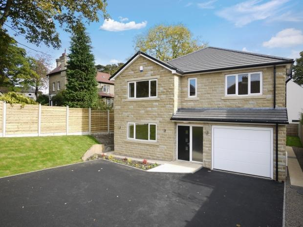 5 Bedrooms Detached House for sale in Smith House Lane Lightcliffe Halifax