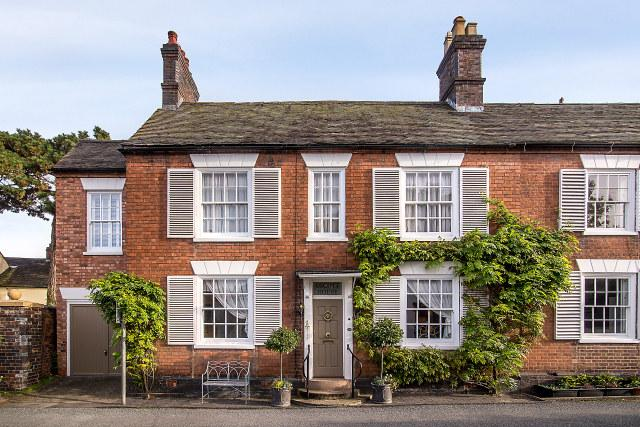 4 Bedrooms Semi Detached House for sale in 37 Main Street,Shenstone,